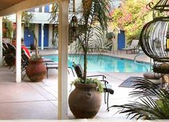 El Morocco Inn & Spa - Desert Hot Springs - Outdoors view