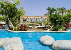 H10 征服者酒店 - 阿羅納 - 美洲海灘 - 游泳池