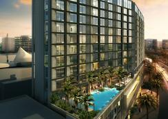 杜拜德伊勒市中心雅樂軒飯店 - 杜拜 - 游泳池