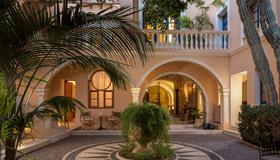 Casa Delfino Hotel & Spa - Chania - Building
