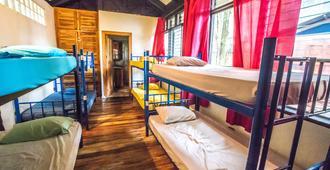 Jaco Inn - Jacó - Schlafzimmer