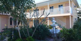 Johns Pass Beach Motel - Treasure Island - Edificio