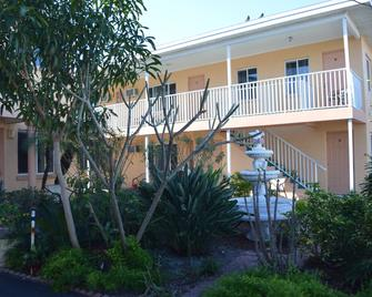 Johns Pass Beach Motel - Treasure Island - Building
