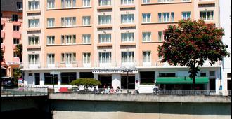 Hotel Notre Dame De La Sarte - Lourdes - Toà nhà