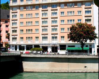 Hotel Notre Dame De La Sarte - Lourdes - Building