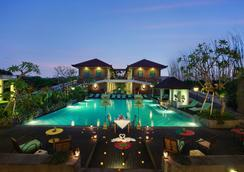 Maison At C Boutique Hotel And Spa Seminyak - Kuta - Pool