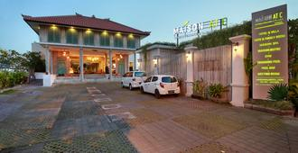 Maison At C Boutique Hotel And Spa Seminyak - Kuta - Building