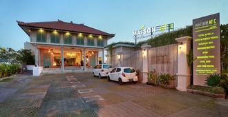 Maison At C Boutique Hotel And Spa Seminyak - Kuta - Edificio