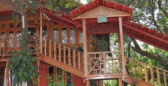Green Wood Resort - Guwahati - Property amenity