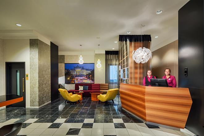 Hotel Capricorno - Viena - Recepción