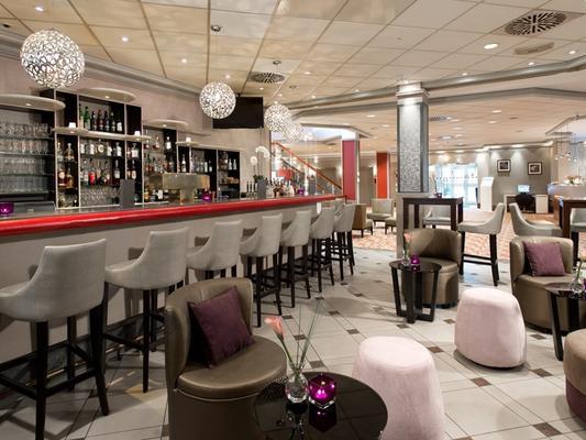 Leonardo Hotel Köln - Κολωνία - Bar
