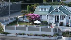Picton House B&B and Motel - Picton - Outdoor view