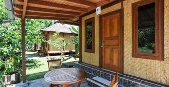 Mulia Home Stay - Denpasar - Patio