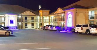 Baymont by Wyndham Clarksville - Clarksville - Edificio