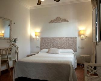 Hostal Enriqueta - Marbella - Habitació