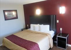 Red Roof Inn Slidell - Slidell - Bedroom