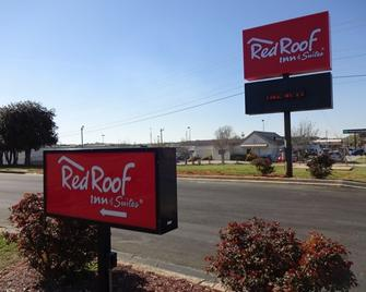 Red Roof Inn & Suites Greenwood, SC - Greenwood - Building