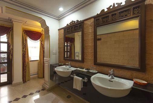 Umaid Bhawan - A Heritage Style Boutique Hotel - Jaipur - Phòng tắm