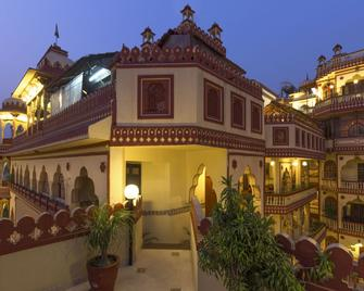 Umaid Bhawan - A Heritage Style Boutique Hotel - Jaipur - Building