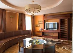 Zapolyarnaya Stolitsa - Naryan-Mar - Lounge
