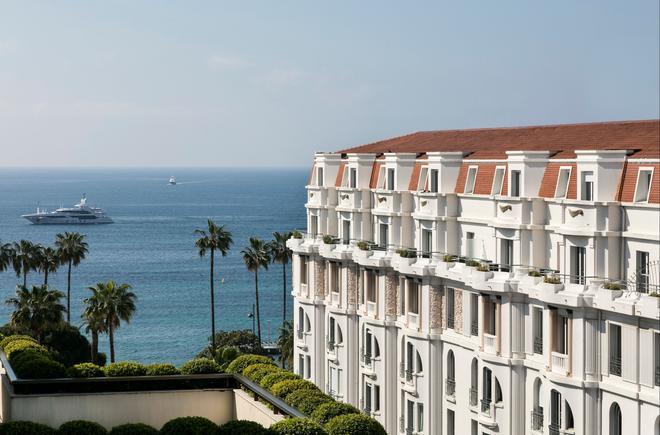 Hôtel Barrière Le Gray d'Albion - Cannes - Parveke