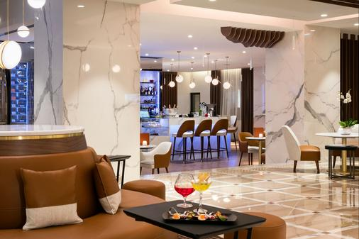 Hôtel Barrière Le Gray d'Albion - Cannes - Bar