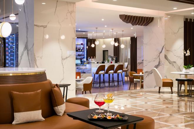 Hôtel Barrière Le Gray d'Albion - Cannes - Baari