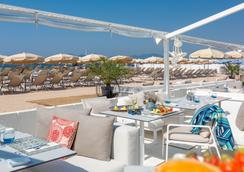 Hôtel Barrière Le Gray d'Albion - Cannes - Bãi biển