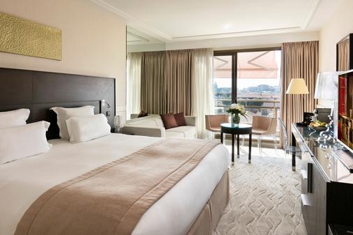 Hôtel Barrière Le Gray d'Albion - Cannes - Phòng ngủ