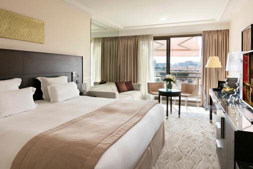 Hôtel Barrière Le Gray d'Albion - Cannes - Makuuhuone