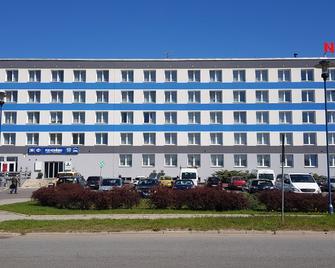 Pod Kominem Pokoje i Apartamenty - Oppeln - Gebäude