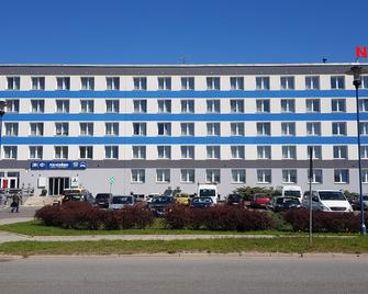 Pod Kominem Pokoje i Apartamenty - Opole - Building