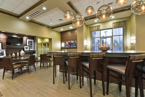 Hampton Inn & Suites Columbia/Southeast Ft. Jackson SC - Columbia - Bar
