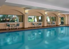 Four Points by Sheraton Suites Tampa Airport Westshore - Τάμπα - Πισίνα