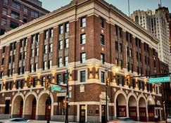 Detroit Foundation Hotel - Detroit - Building