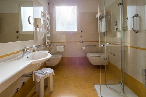 Best Western Plus Hotel Galles - Milan - Bathroom