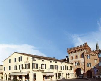 Hotel And Wellness Patriarca - San Vito al Tagliamento - Gebouw