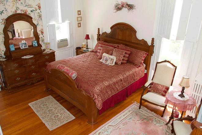 Historic Hill Inn - Newport - Bedroom
