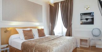 Hôtel du Levant - Paris - Bedroom
