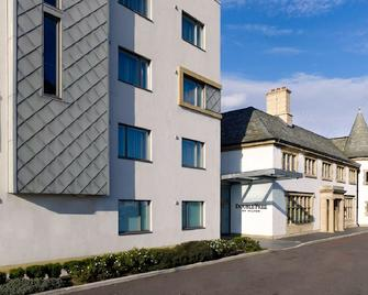 DoubleTree by Hilton London Heathrow Airport - Hounslow - Κτίριο