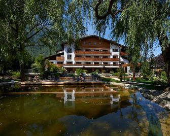 Vegan Hotel La Vimea - Naturno - Building