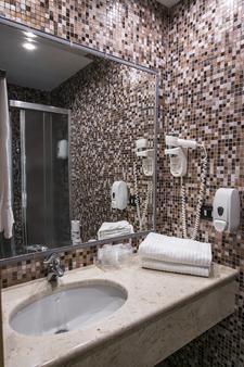 Hotel Aphrodite - Rome - Bathroom