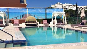 自然陽光酒店 - 托雷莫里諾斯 - 托雷莫利諾斯 - 游泳池