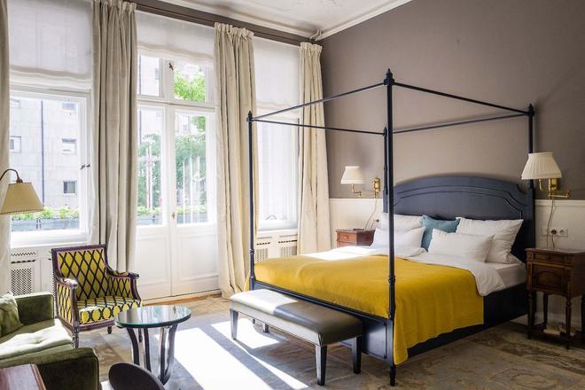 Henri Hotel - Berlin Kurfürstendamm - Berlin - Bedroom
