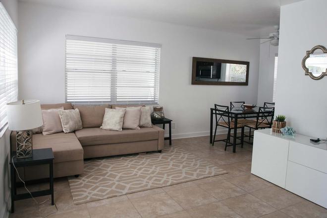 Casa Mint - Hollywood - Living room
