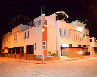 Don Gaspar Hotel Restaurant Inn - San Fernando de Monte Cristi - Building