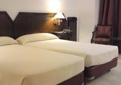 Hotel Turia - Valencia - Makuuhuone