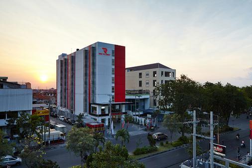 泗水紅色星球酒店 - 泗水 - 泗水 - 建築