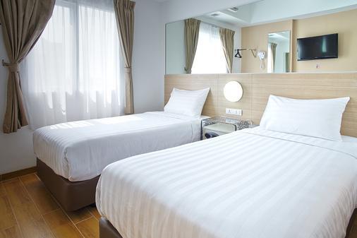 泗水紅色星球酒店 - 泗水 - 泗水 - 臥室