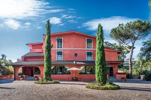 羅凱塔度假村 - 拉吉烏斯蒂尼阿納 - 羅馬 - 建築